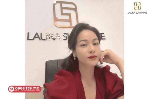 Laura Sunshine là thương hiệu mỹ phẩm uy tín do ca sĩ Nhật Kim Anh sáng lập
